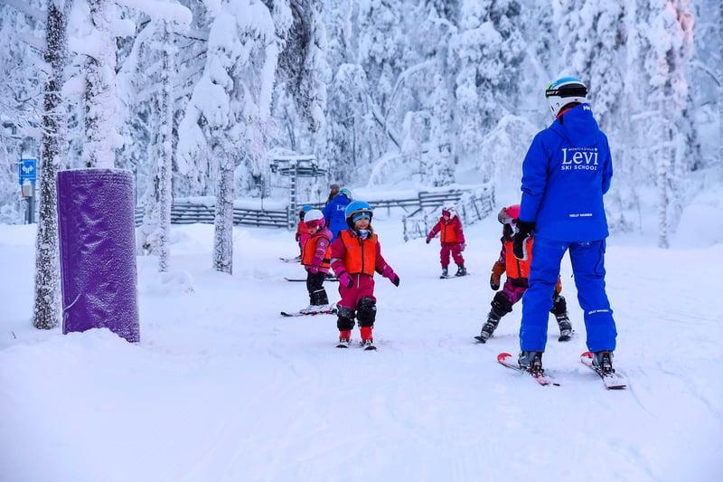 Lastenmaa_levi_ski_school