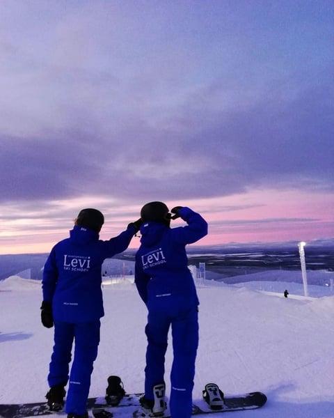 Levi_ski_school_pink_january